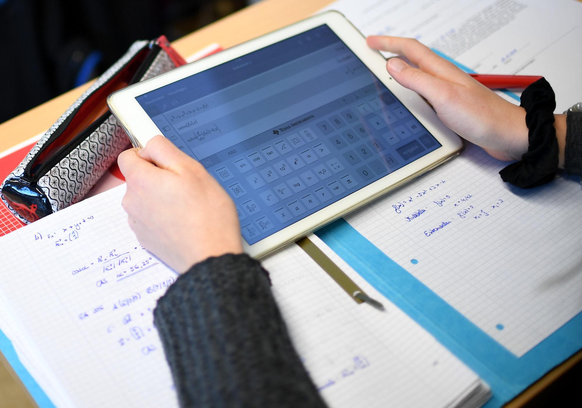 """PO privind selecția beneficiarilor de dispozitive în cadrul Programului Național ,,Școala de acasă"""""""